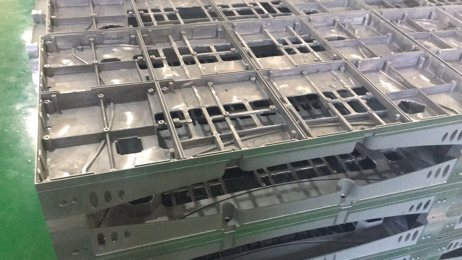 实例-铝合金除油,铝合金清洗剂清洗铝钻孔油污